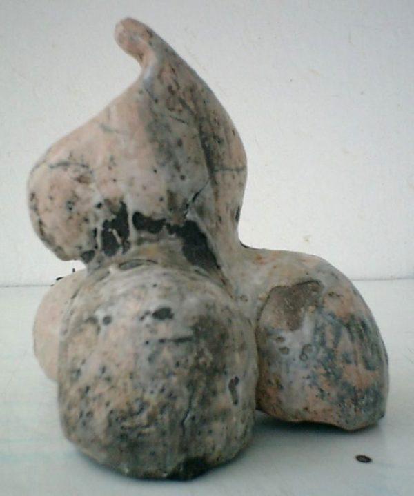 Centre<br>25 x 20 x 16 cm<br>Raku, 2001